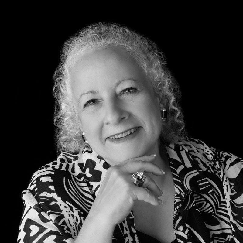 Portrait - Chrysteen Braun, Author